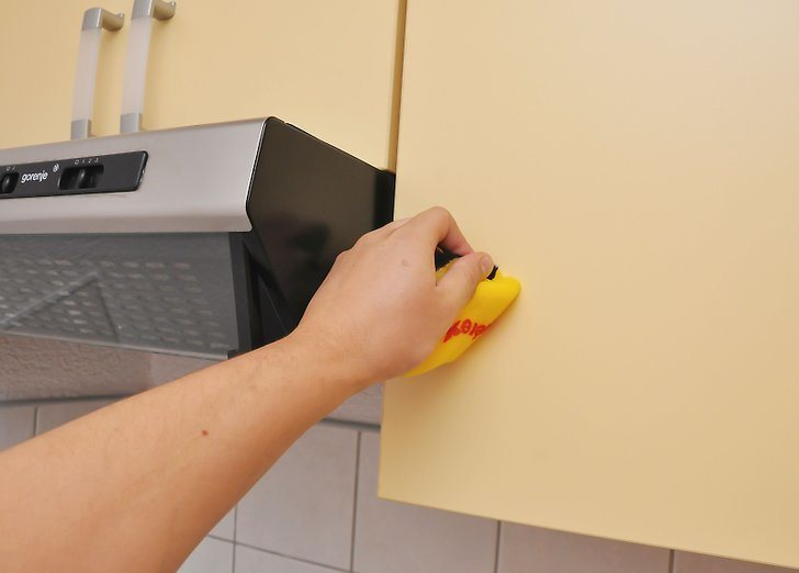 How To Easily Remove Grease Stains From Kitchen Cabinets