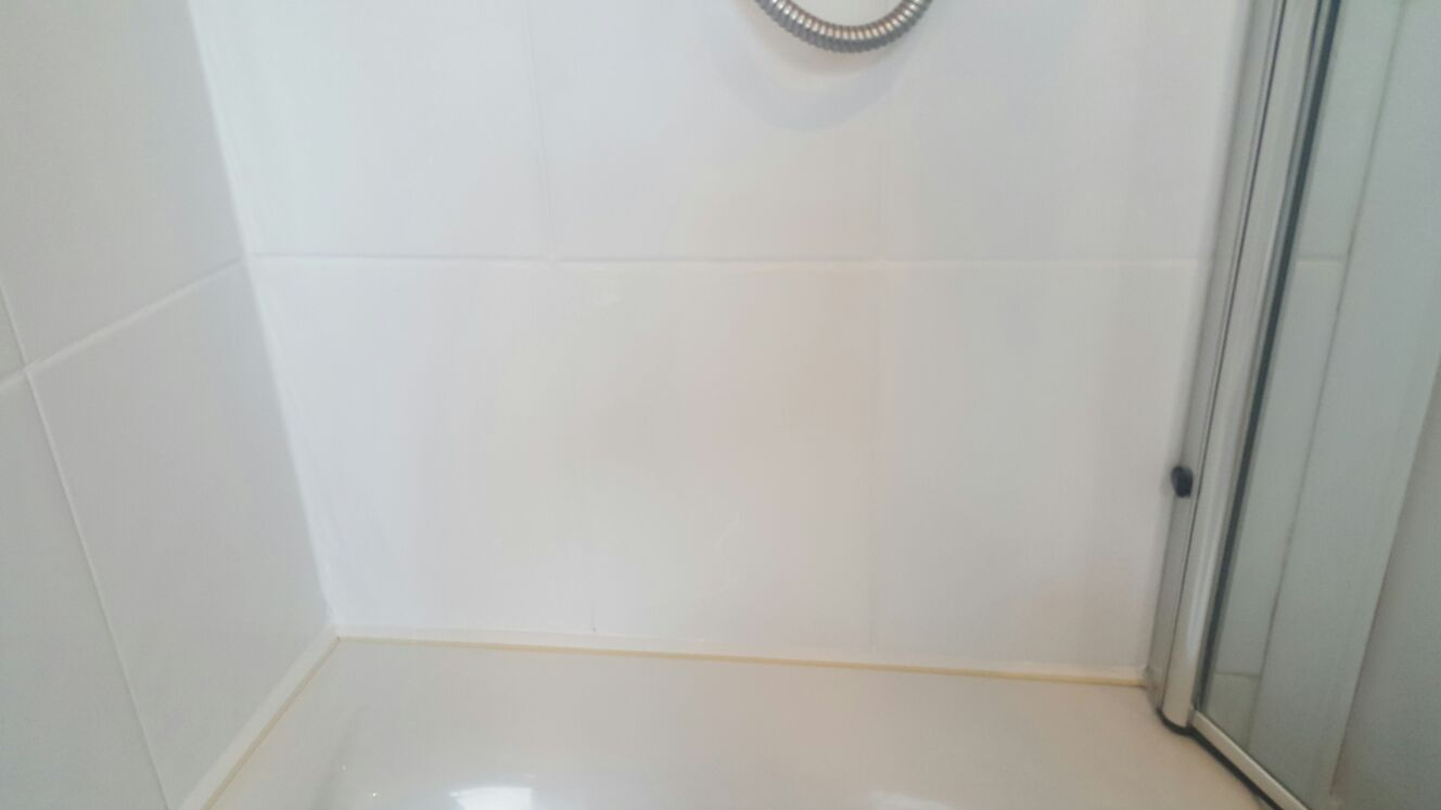 bathroom ceramic wall tile useful tips and solutions to clean limescale in 15719